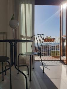 A balcony or terrace at Oasi al centro con parcheggio