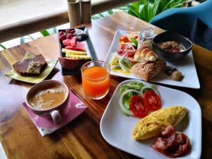 Frühstücksoptionen für Gäste der Unterkunft The Lazy Lodge