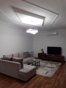 Uma área de estar em Delux Villa in Baku
