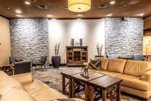 A seating area at Prestige Mountain Resort Rossland