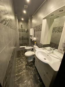 A bathroom at Hotel Marko