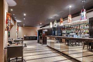 The lounge or bar area at Novotel SP Jardins
