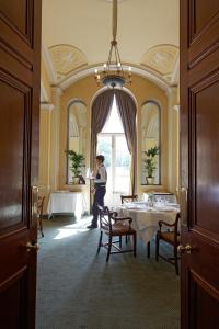 A restaurant or other place to eat at Hartwell House & Spa