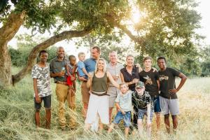 A family staying at Tanda Tula Safari Camp