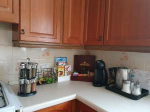 A kitchen or kitchenette at Orchards in Orpington