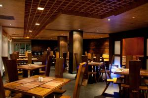 A restaurant or other place to eat at Hotel Druk