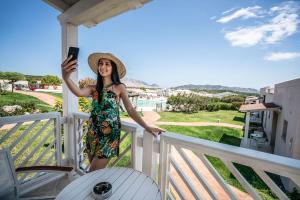 A balcony or terrace at Grande Baia Resort & Spa