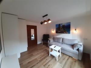 Ein Sitzbereich in der Unterkunft Apart Tuxertal