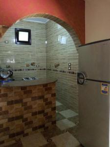 حمام في Awi Guest House