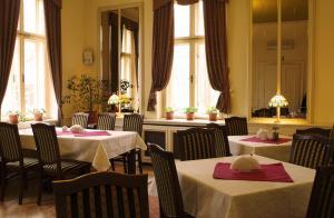Restaurace v ubytování Pensjonat Pałacyk