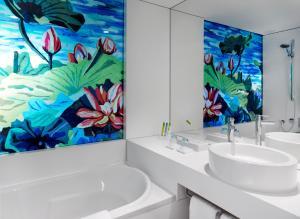 حمام في آرت أوتل كولون باي بارك بلازا