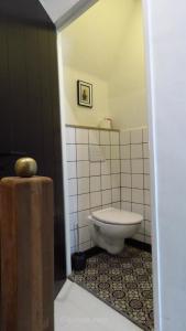 Een badkamer bij B&B Bij Bijnen