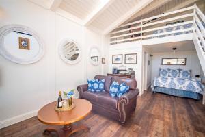 A seating area at Bandon Marina Inn