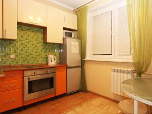 Кухня или мини-кухня в ApartLux Ярославская