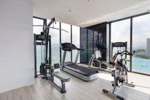 The fitness centre and/or fitness facilities at Senia Hotel Nha Trang
