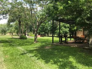 A garden outside Casa de Campo en Barrio Privado con Vigilancia 24 hs