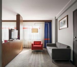 Гостиная зона в Отель «Парк Инн от Рэдиссон Аэропорт Шереметьево Москва»