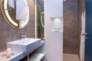 Salle de bains dans l'établissement Radisson Blu Hotel Bordeaux