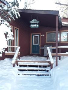 Faithful Street Inn during the winter