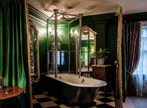 A bathroom at The Rookery