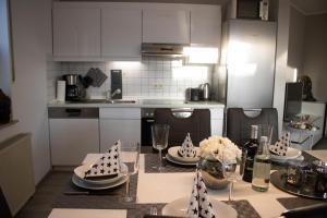 A kitchen or kitchenette at Bergkristall direkt am Bikepark und Skigebiet, 2 Schlafzimmer, Terrasse, abschließbarer Keller