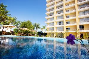 Piscine de l'établissement Continental Plaza Vientiane ou située à proximité