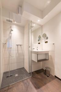 A bathroom at Hotel Residenz23
