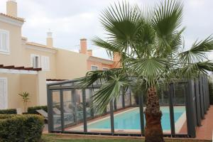 The swimming pool at or near Boliqueime Villas