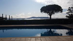 The swimming pool at or close to La Côte Bleue