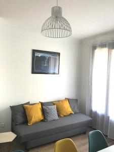 A seating area at Superbe appartement, 3 chambres, gare St Charles