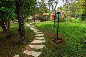 A garden outside Pousada Paineira
