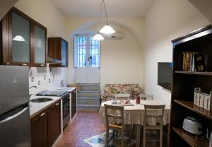 A kitchen or kitchenette at Il Normanno Home