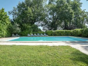 The swimming pool at or near Castle with private tennis court and swimming pool, at 60 km from Bordeaux.