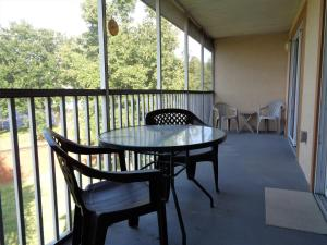 A balcony or terrace at Sun Lake Resort by Sun Country Villas