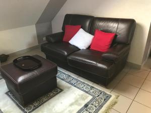 A seating area at Maison de campagne en Picardie (6)