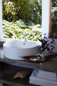 A bathroom at Diniview Villa Resort