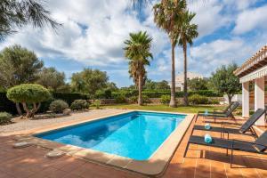 The swimming pool at or near Biniana 3 bedroom villa, Binisafuller