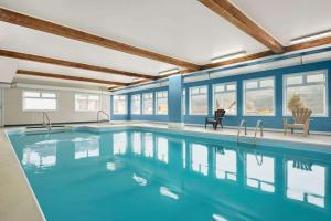 The swimming pool at or close to Travelodge by Wyndham Salmon Arm BC