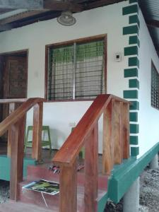 A balcony or terrace at Chelle's Guesthouse and Backpackers