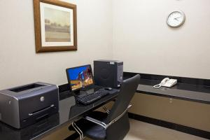 The business area and/or conference room at Holiday Inn Express Hotel & Suites Los Angeles Airport Hawthorne, an IHG Hotel