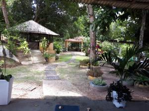 Jardín al aire libre en Recanto Tarumã