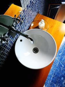 A bathroom at Moinho da Ponte Velha