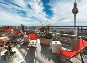 Ein Balkon oder eine Terrasse in der Unterkunft Park Inn by Radisson Berlin Alexanderplatz