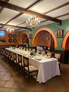 Un restaurante o sitio para comer en Los Bronces