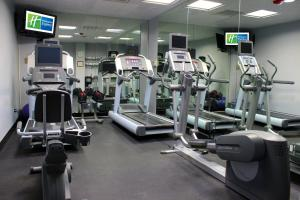 The fitness centre and/or fitness facilities at Holiday Inn Express Van Nuys, an IHG Hotel