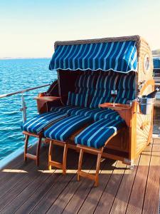 A seating area at Goitzsche Resort