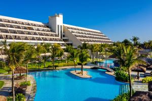 The swimming pool at or close to Wish Natal