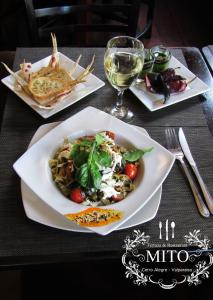 Lunch and/or dinner options for guests at Hostal Mito