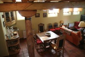 Un restaurante o sitio para comer en El Canto del Gallo