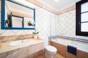 Een badkamer bij Nazaret Mansion
